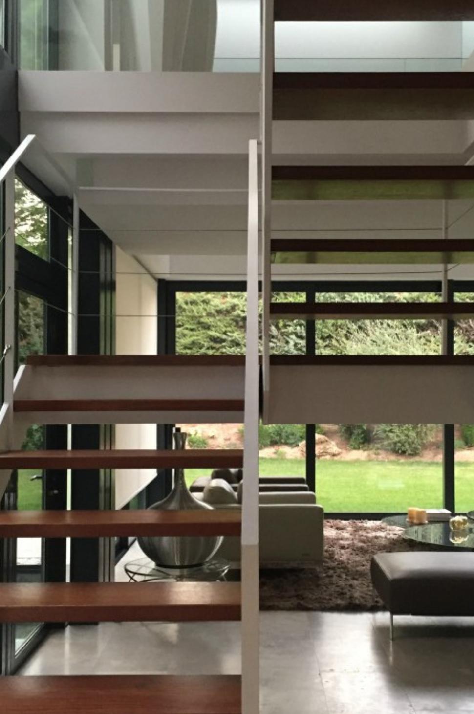 Vivienda Unifamiliar en Monteclaro, Pozuelo de Alarcón, Madrid. Un proyecto del estudio de arquitectura FH2L Arquitectos.