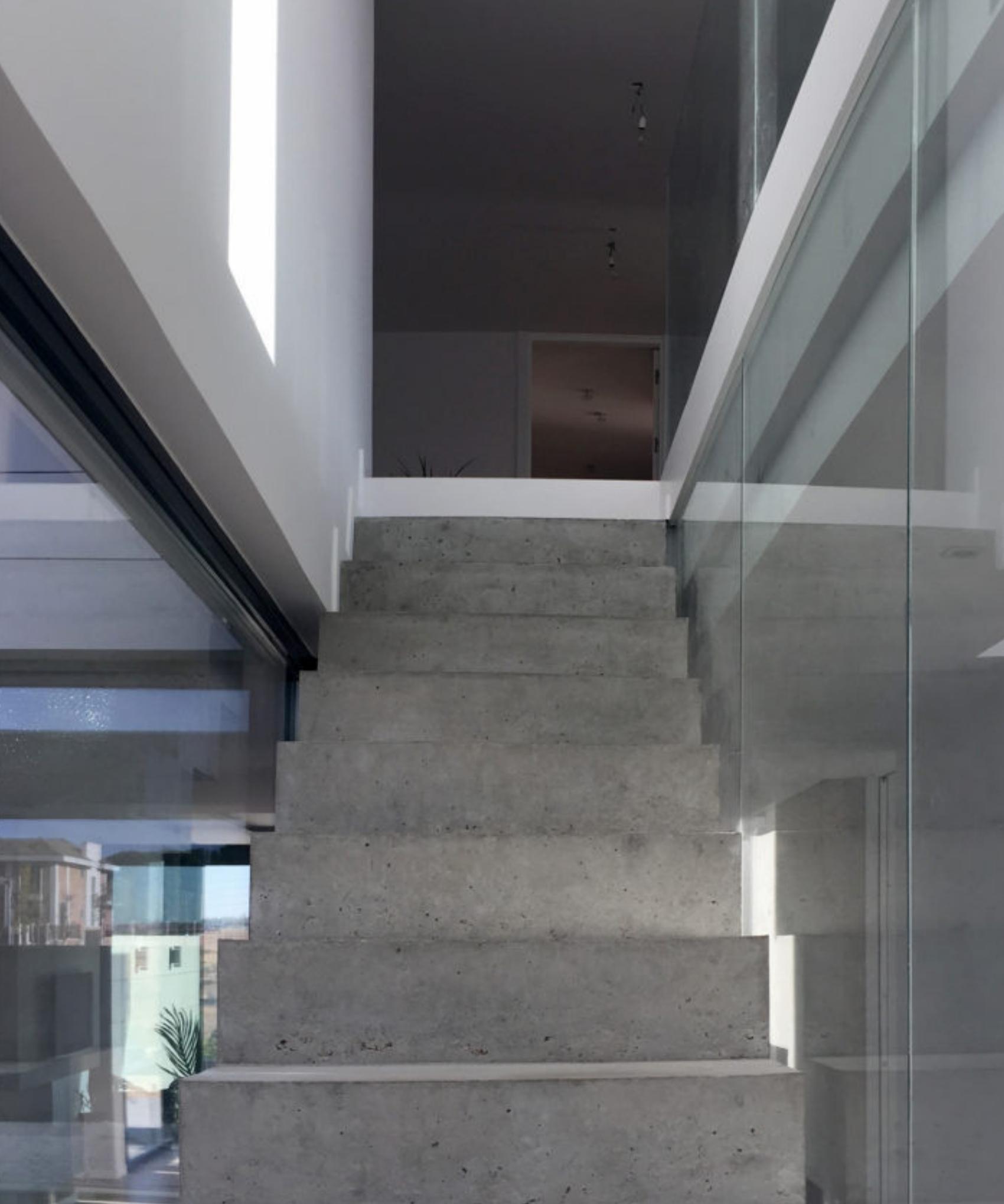 Proyecto de FH2L Arquitectos de 2 viviendas unifamiliares pareadas, Roza Martín, Majadahonda, Madrid.
